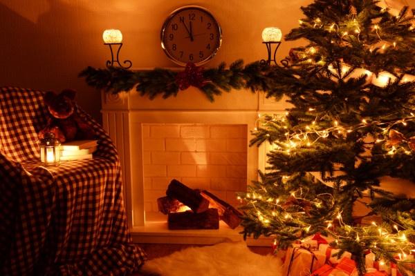 family-room-christmas